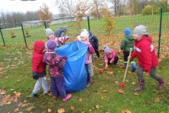 Meie õppisime lehti komposteerima