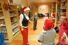 Päkapikud lasteraamatukogus
